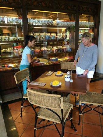 JW Marriott Phuket Resort & Spa: Special fresh mango preparation!