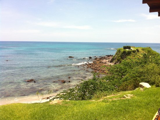 Four Seasons Resort Punta Mita: View of lookout point/bluff (yoga classes in the mornings)