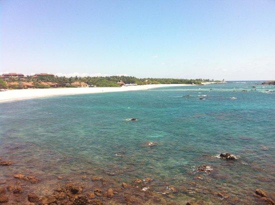 Four Seasons Resort Punta Mita: Beach to the south
