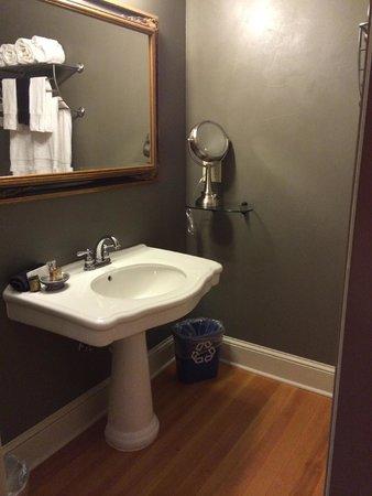 Grand Highland Hotel: Bathroom