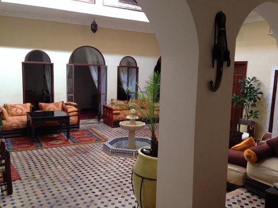 Riad Marana: Welcome area