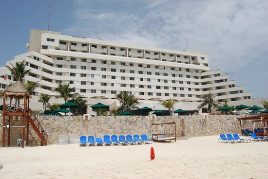 Royal Solaris Cancun: beach view of Royal Solaris