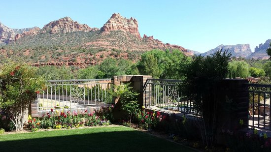 BEST WESTERN PLUS Arroyo Roble Hotel & Creekside Villas: View from our patio