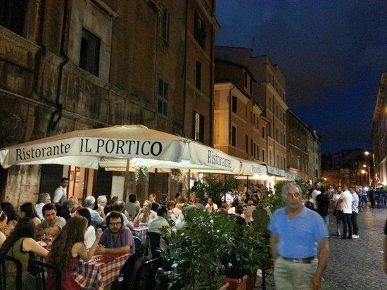 Il Portico : Streetview