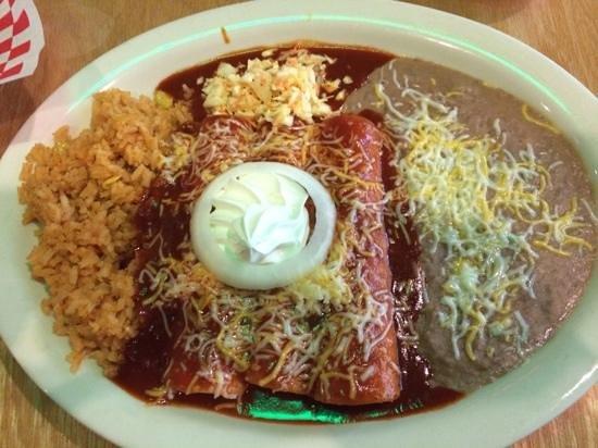 La Palma Mexican Grill: Chicken enchiladas with onion!