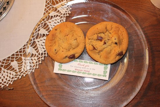 Weaver Hotel: daily cookies