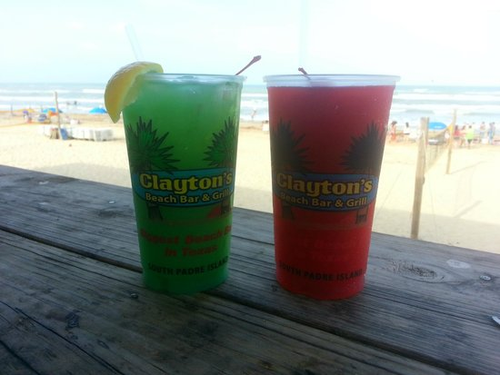 Clayton's Beach Bar and Grill : Drinks with a view