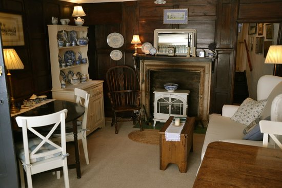 Holywell Bed and Breakfast: an authentic dining area