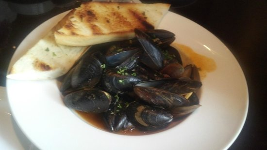 The Fairmont Palliser: Steamed mussels in a light curry broth
