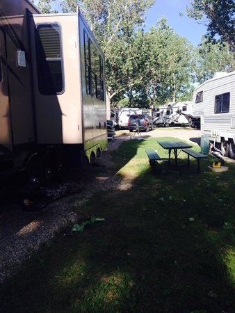 Bridgeview RV Resort : Neighbours sewer to right of picture