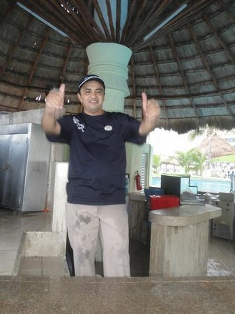 Paradisus Cancun: BEST BARTENDER @ POOL BAR (GERALDO)