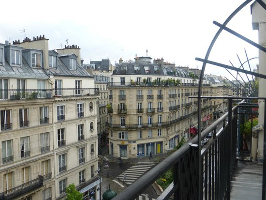 Hotel Residence Les Halles: Great view from room- very Parisian!
