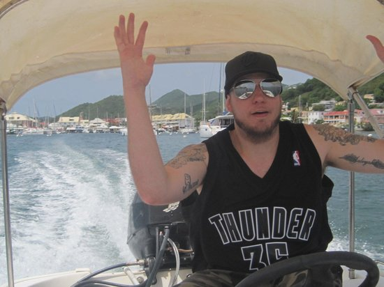 Boathouse Boat Rentals SXM: Captain for the day. Look Ma no hands!
