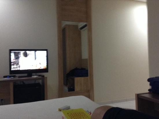 Stop Way Hotel : quarto