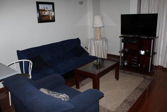 Suites Metrópoli: Sala de estar de la Suite