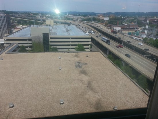 Sheraton Birmingham : Beautiful large window...with view of roof & highway