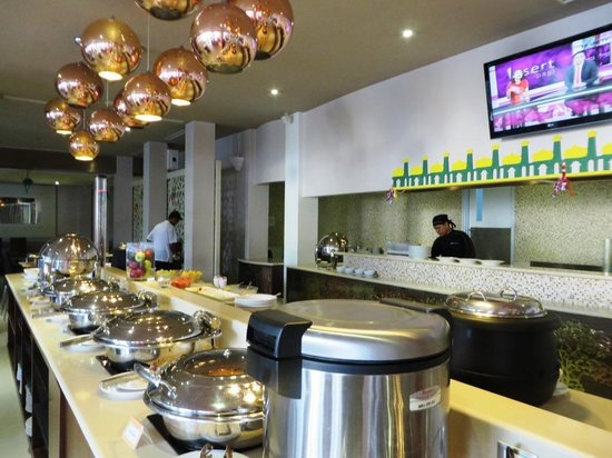 Novotel Banjarmasin Airport : resto for both breakfast and meal