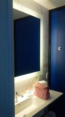 Montauk Blue Hotel: Bathroom