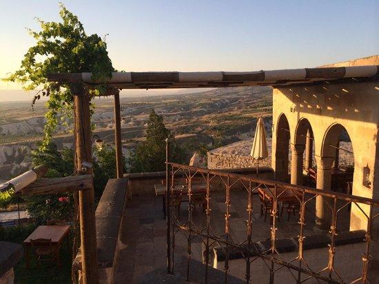 Kale Konak Cave Hotel: Breakfast terrace