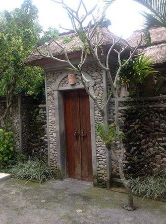 Nefatari Exclusive Villas: Our front door