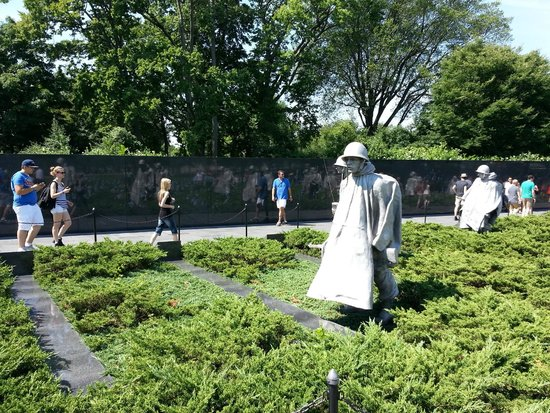Korean War Veterans Memorial : Larger Than Life Statues Reflecting on the Wall