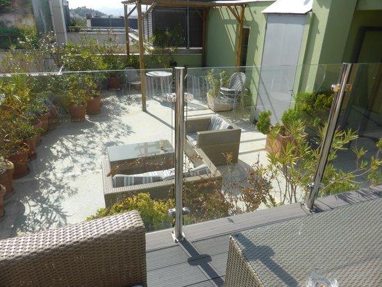 Hermes Hotel: Upstairs balcony