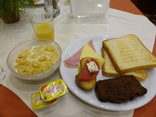 Hermes Hotel: Breakfast