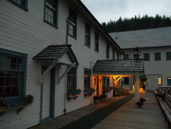 Waterfall Resort Alaska: General store early in the morning