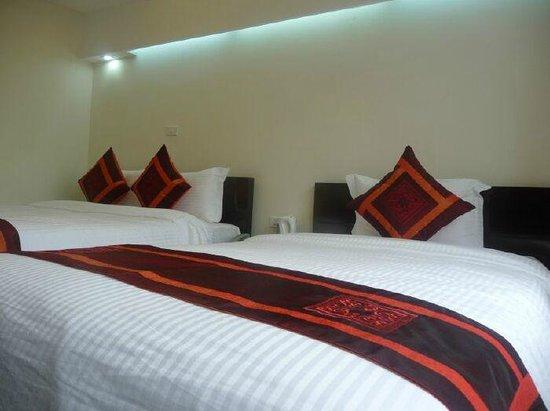 Hanoi Central Star Hotel: Quadroom