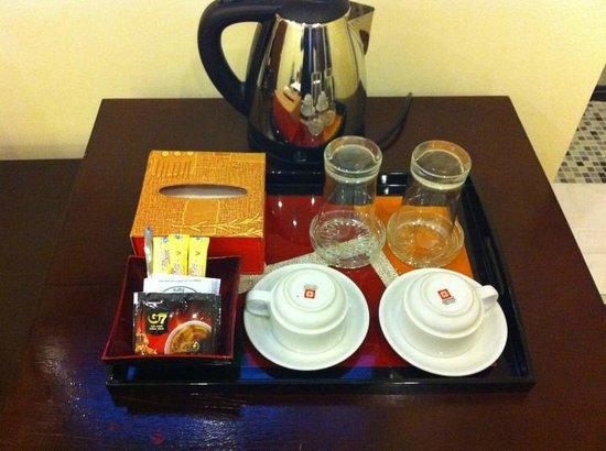 Hanoi Central Star Hotel: Coffee and tea facilities