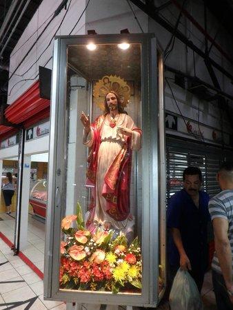 Central Market (Mercado Central): Blessing the merchants