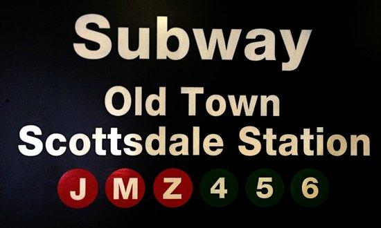 Grimaldi's: NYC Signage