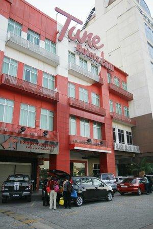 Tune Hotel - 1Borneo, Kota Kinabalu : Tune Hotels view