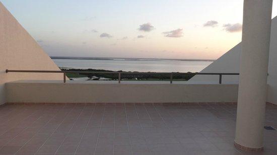 Iberostar Cancun: balcony/terrace