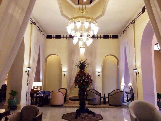 Raffles Hotel Le Royal: Hotel lobby