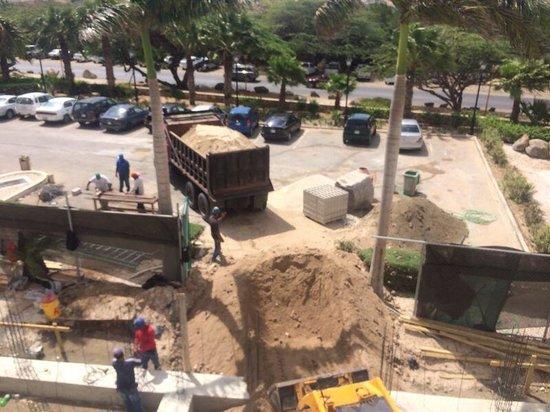 Hotel Riu Palace Aruba: Front of building