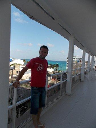 Hotel Verde Mar : En el balcón del hotel..