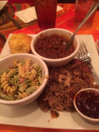 Chanticleer Eatery: Pulled pork plate