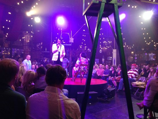 Absinthe : Under the big top
