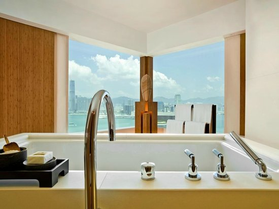 The Upper House: Bathroom - Harbour View