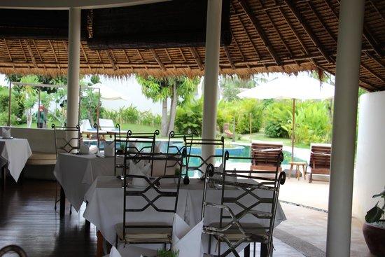 Navutu Dreams Resort & Wellness Retreat : restaurant