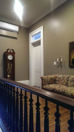 The James Lee House : Common Area