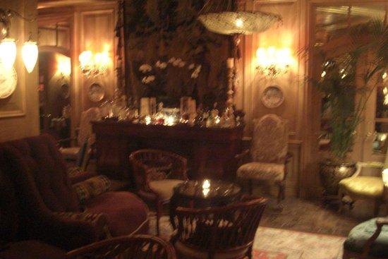 The Inn at Little Washington: Sitting area off of dining area.