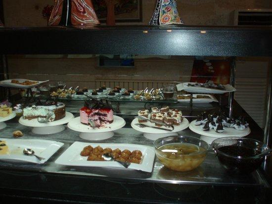 Goreme Kaya Hotel : デザートは別腹