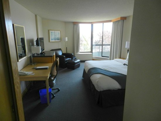 Inn at Laurel Point : Inner Harbour View Room