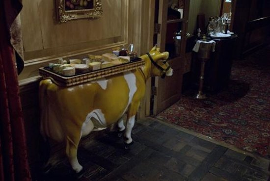 The Inn at Little Washington: Elsia the cheese cow