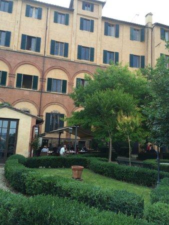 Palazzo Ravizza: Back of the hotel