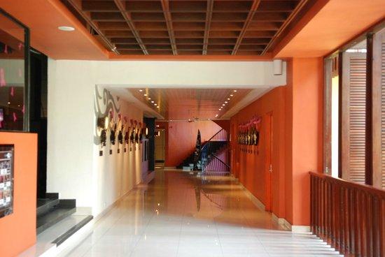 Hard Rock Hotel Bali: Холл отеля