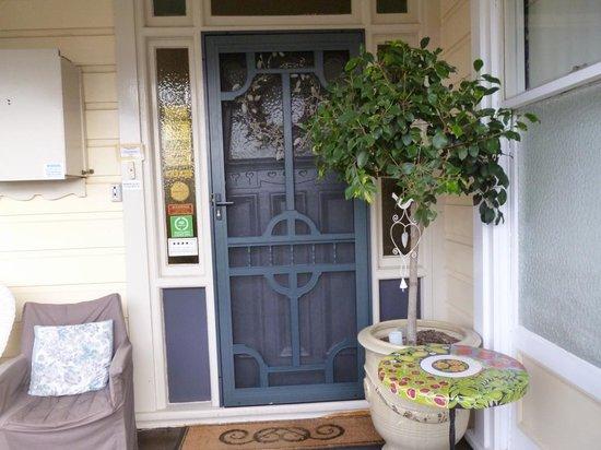 Melba House Boutique Bed & Breakfast: Front door