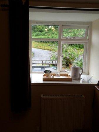 Bellachroy Hotel: Bedroom view onto very quiet road